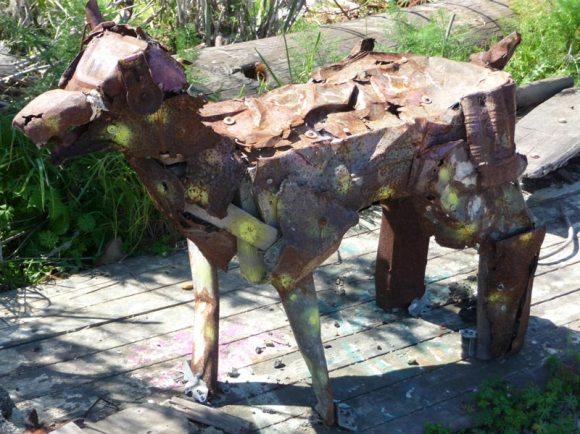 Dog sculpture at Albany Bulb