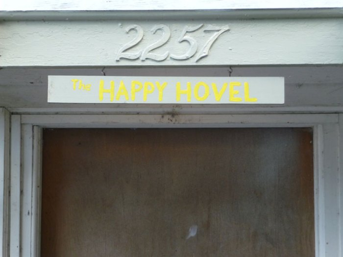 Happy Hovel